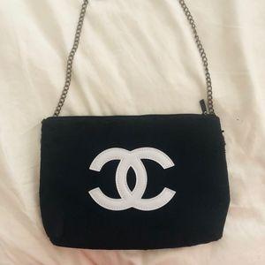 CHANEL Beauté Makeup Cosmetic Bag